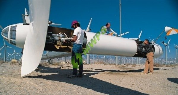 wind-eagle-wind-turbine__-600x322-1